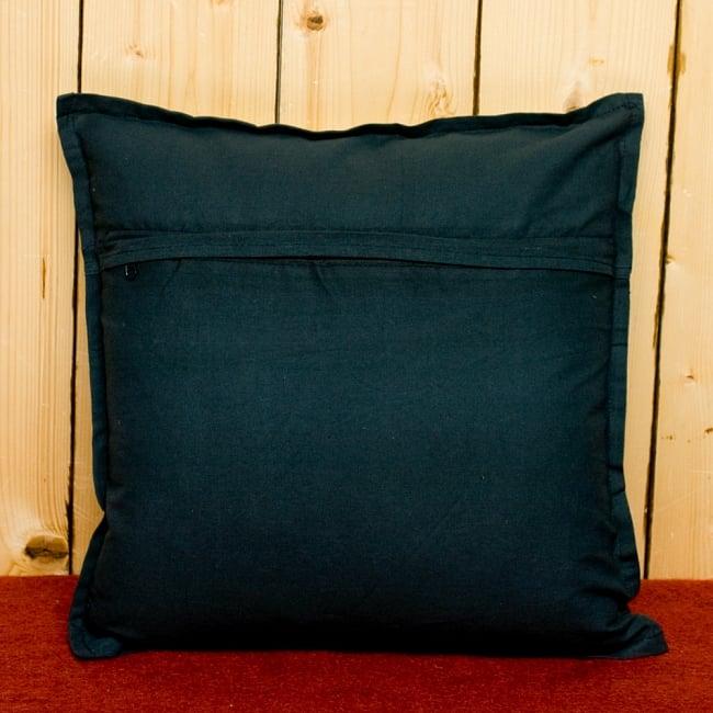 ラジャスタン刺繍のクッションカバー - 象さん【ブラック】 6 - 裏側はシンプルです