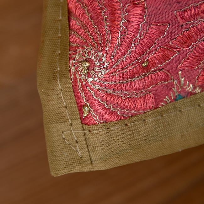 【ラジャスタン刺繍】クッションカバー カーキ系アソート 4 - 縁はこの様になっています。チープさがインドらしくて素敵です^^