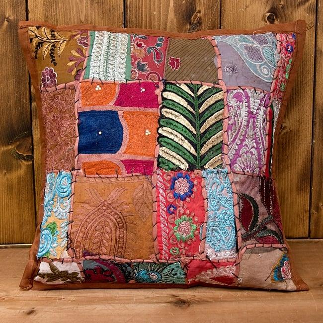 【ラジャスタン刺繍】クッションカバー茶系アソート 2 - パッチワークや刺繍が大変美しいです!