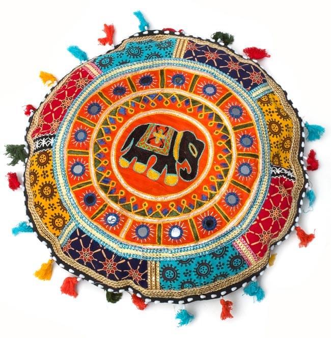 ミラー付き!ラジャスタン刺繍のクッションカバー - 象さん【オレンジ系アソート】の写真