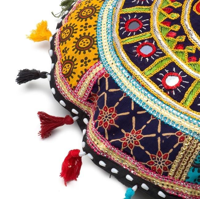 ミラー付き!ラジャスタン刺繍のクッションカバー - 象さん【黒・紺系アソート】 3 - 縁の部分になります