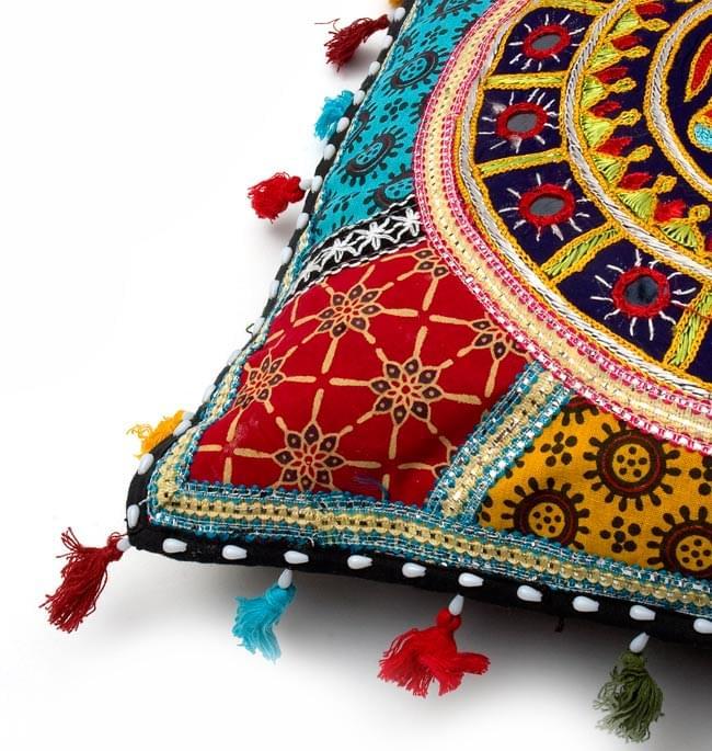 ミラー付き!ラジャスタン刺繍のクッションカバー - 象さん【黒・紺系アソート】の写真3 - 縁の部分になります