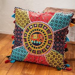 【ミラー付き!特大 61cm x 61cm】ラジャスタン刺繍の四角いクッションカバー - 象さん