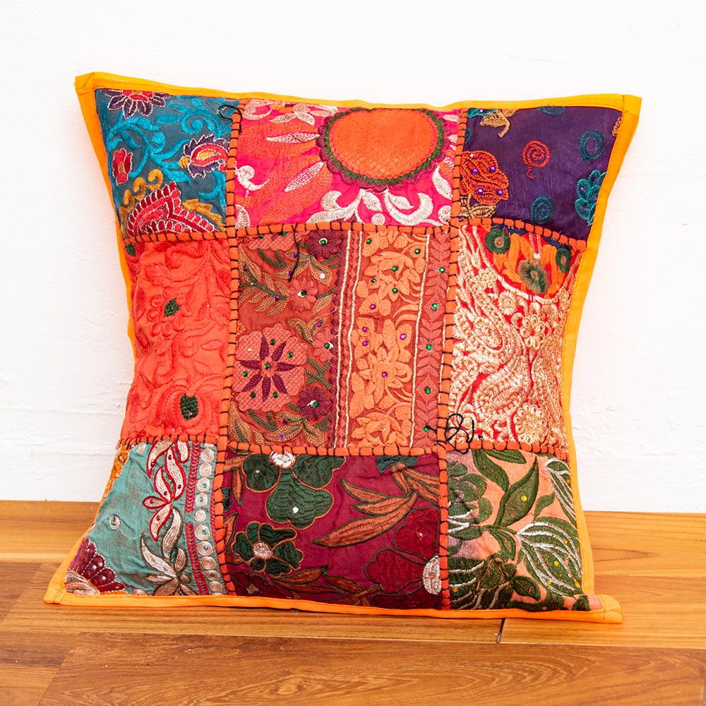 〔アソート〕ラジャスタン刺繍のクッションカバー - オレンジの写真