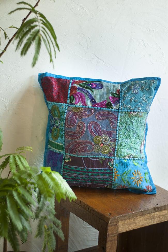〔アソート〕ラジャスタン刺繍のクッションカバー - 水色の写真