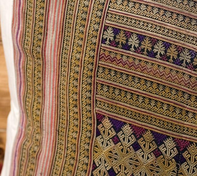 美術品クラスのモン族刺繍のクッションカバー[一点もの] 2 - 柄が判るように、平たくして撮影しました