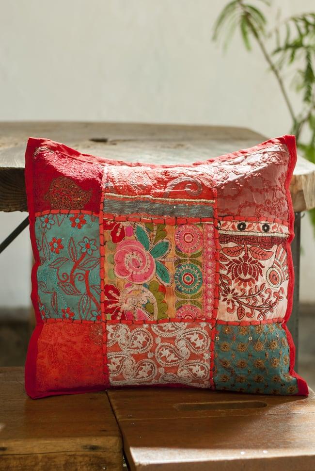 〔アソート〕ラジャスタン刺繍のクッションカバー - 赤の写真