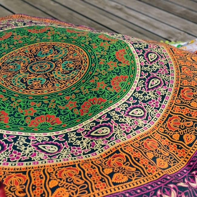 特大サイズ!マンダラ丸型クッションカバー【約100cm】の写真2 - 更紗模様が描かれています