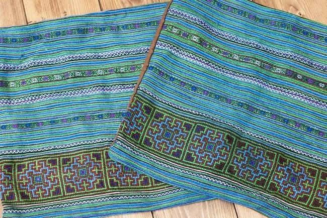 モン族刺繍の高級クッションカバー - 青 [クッション同梱品] 6 - 手作りのため1点ずつ細部が異なります。ご了承の上お買い求めください。