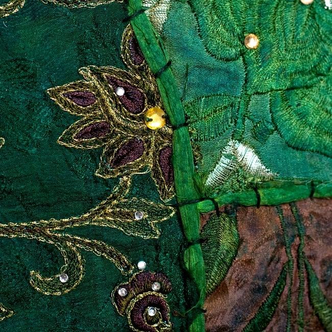 【ラジャスタン刺繍】クッションカバー - 黄緑系アソートの写真3 - UPにしてみました。繊細な刺繍がとても素敵です^^