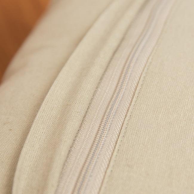 身を守る護符 ハムサの手 刺繍クッションカバー 7 - インナーは40cmのフィラーも50cmのフィラーもどちらも使用可能です。