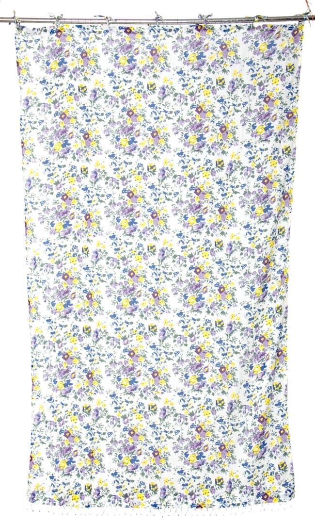 インドのコットンカーテン【花柄】 - 青&紫&黄色系の写真