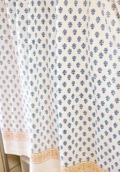 〔100cm×130cm〕インドの木版染め 手作りウッドブロックプリントのサフェードカーテン - 青系 花柄