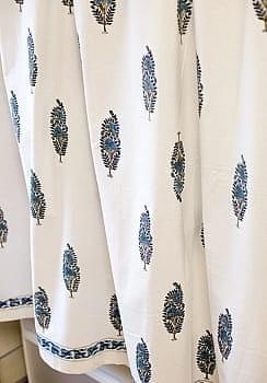 〔100cm×130cm〕インドの木版染め 手作りウッドブロックプリントのサフェードカーテン - 青系 ボタニカル柄