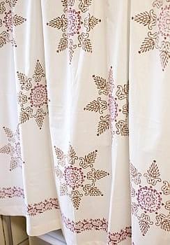 〔100cm×130cm〕インドの木版染め 手作りウッドブロックプリントのサフェードカーテン - 茶×ワイン系 ランゴリ柄