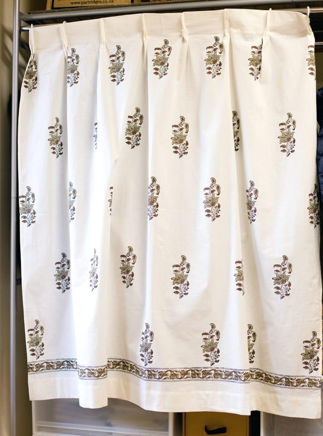 〔100cm×130cm〕インドの木版染め 手作りウッドブロックプリントのサフェードカーテン - 茶系 ボタニカル柄の写真