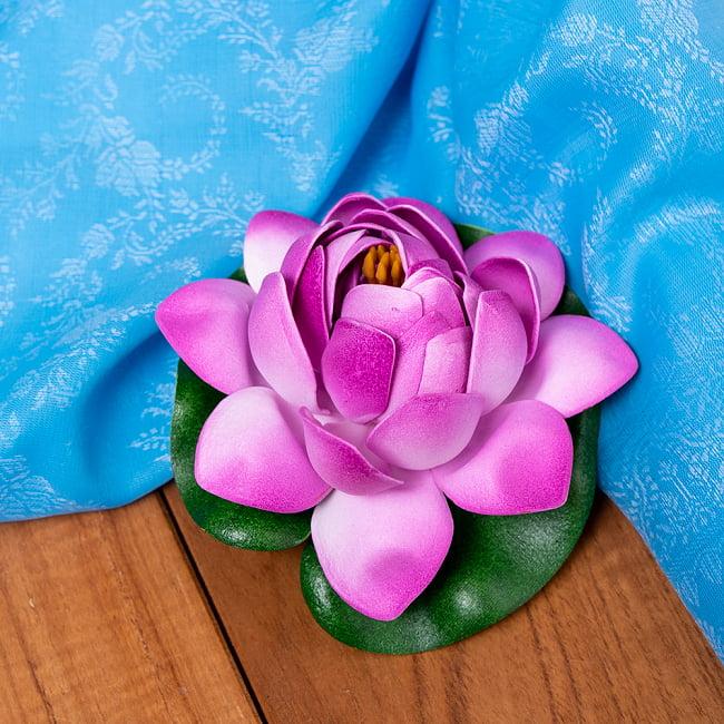 〔約9.5cm〕水に浮かぶ 睡蓮の造花 フローティングロータス - 赤紫の写真