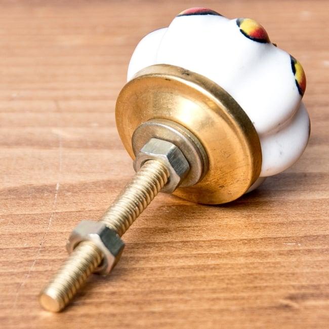 アジアンデザインの取っ手 陶器のプルノブ(ドアノブ)【約3cm】 2 - 取っ手の全体写真。彩色陶器のかわいい取っ手です