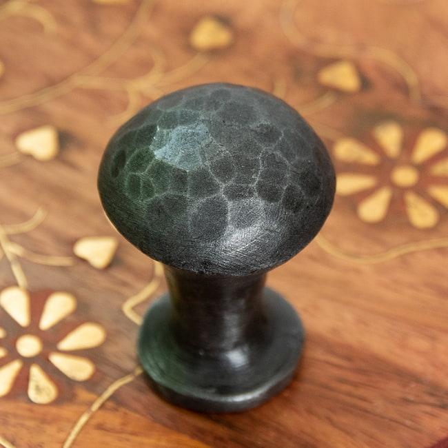 槌目仕上げ アイアンプルノブ ヴィンテージ調 直径3cm 4 - 大胆なハンマーフィニッシュ。