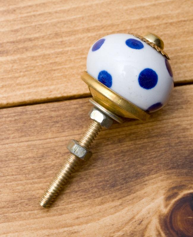 アジアンデザインの取っ手 陶器のプルノブ(ドアノブ)〔3cm〕の写真2 - ナット式で簡単に留められるようになっています。
