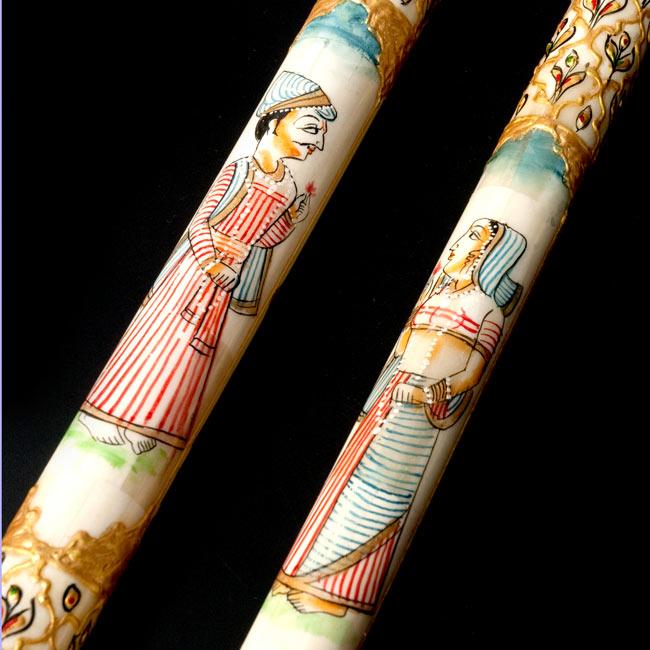 マハラジャの象牙色ステッキ 2 - 図柄の部分のアップです