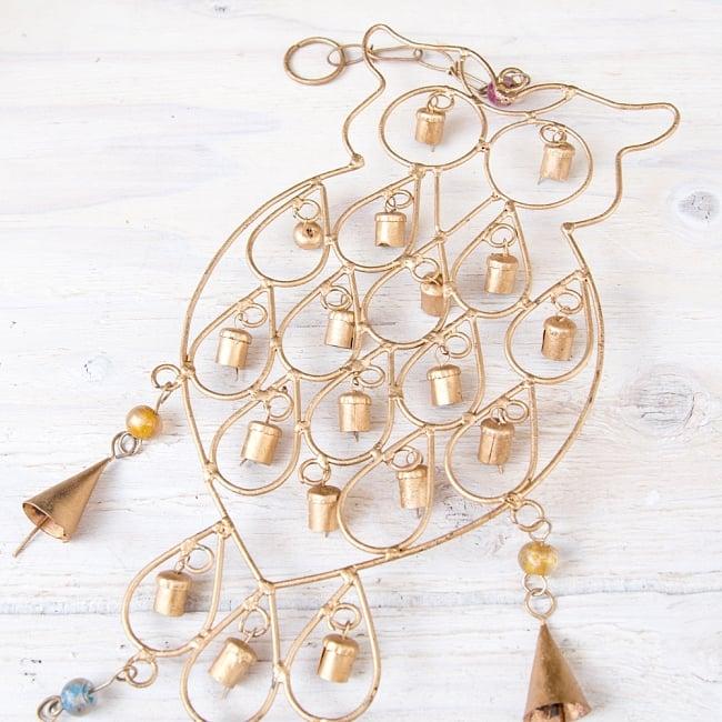 ドアチャイムなどへ!手作りのやさしい音色 インドの銅製ベル付きハンギング - 鈴なりフクロウさん〔約53cm〕 4 - 昔ながらの製法で作られております
