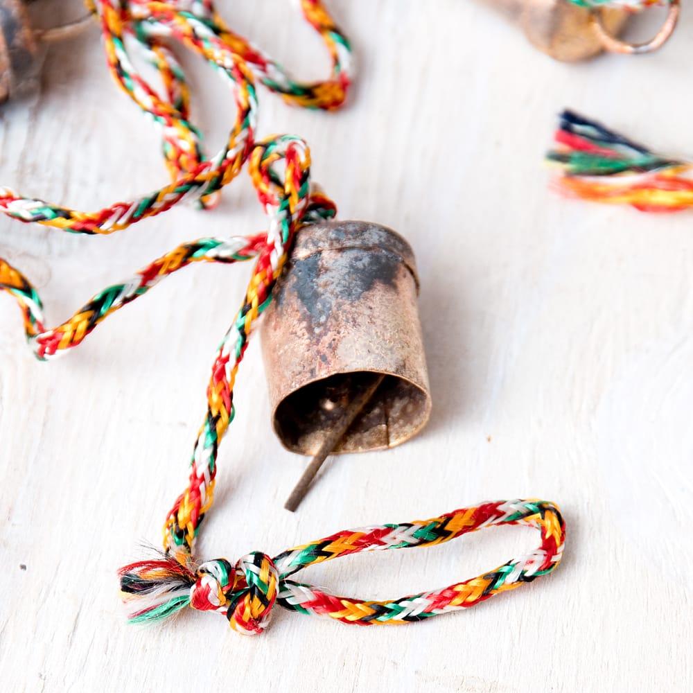 ドアチャイムなどへ!手作りのやさしい音色 インドの銅製カウベル-【2cm*1.8cm*120cm】 4 - 拡大写真です