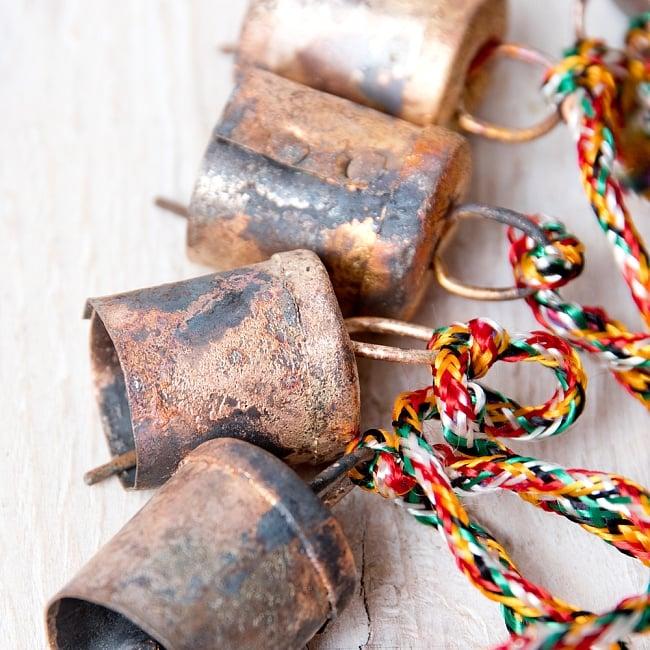 ドアチャイムなどへ!手作りのやさしい音色 インドの銅製カウベル-【2cm*1.8cm*120cm】 5 - 昔ながらの製法でつくられています