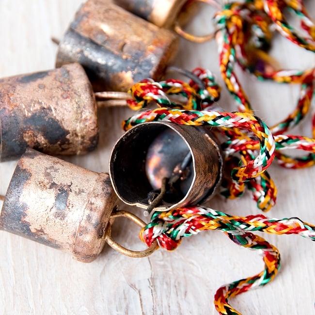 ドアチャイムなどへ!手作りのやさしい音色 インドの銅製カウベル-【2cm*1.8cm*120cm】 6 - 中はこのようになっています