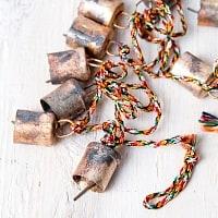 ドアチャイムなどへ!手作りのやさしい音色 インドの銅製カウベル-【2cm*1.8cm*120cm】