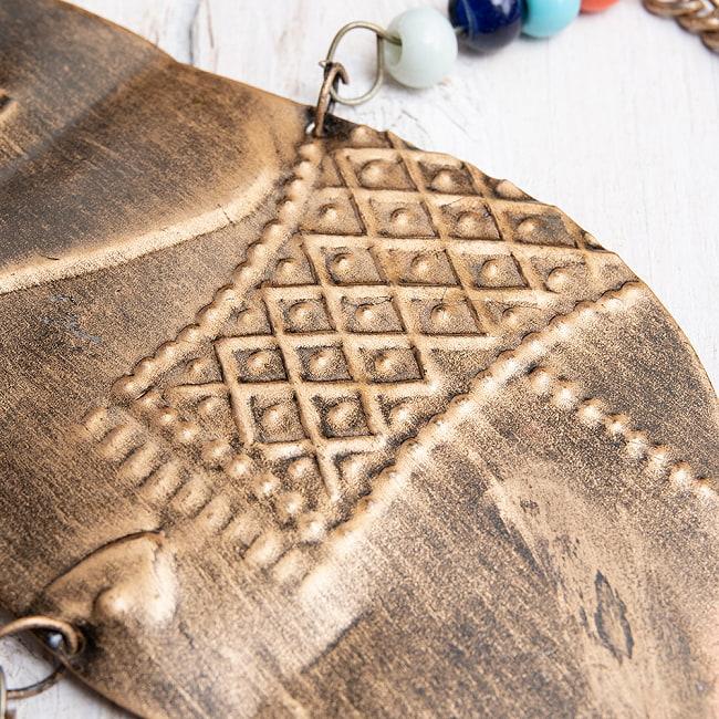ドアチャイムなどへ!手作りのやさしい音色 インドの鉄製ハンギング - ぞう2連ゴールド〔約60cm〕 3 - 拡大写真です