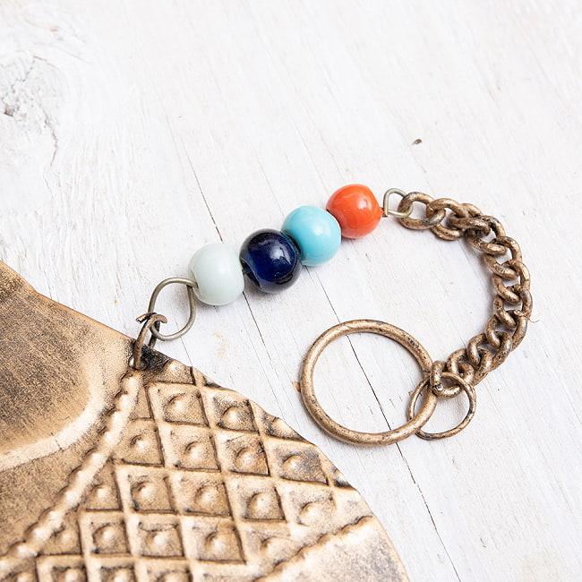 ドアチャイムなどへ!手作りのやさしい音色 インドの鉄製ハンギング - ぞう2連ゴールド〔約60cm〕 6 - フックがついています