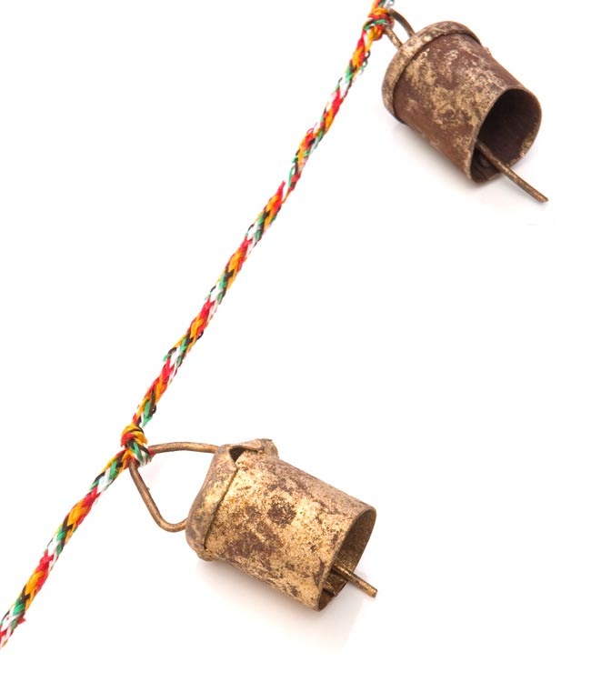 インドの銅製カウベル-【3cm*2cm*110cm】の写真2 - アップにして撮ってみました。