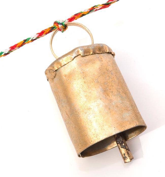 ドアチャイムなどへ!手作りのやさしい音色 インドの銅製カウベル-【5cm*3.5cm*120cm】 3 - アップにして撮ってみました。