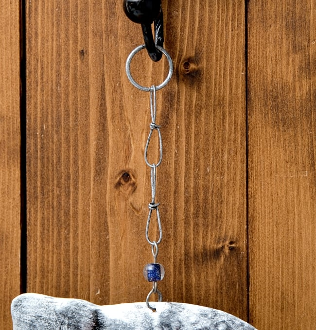 ドアチャイムなどへ!手作りのやさしい音色 インドの銅製ハンギング - ぞう2連シルバー〔約60cm〕 9 - フックの写真です