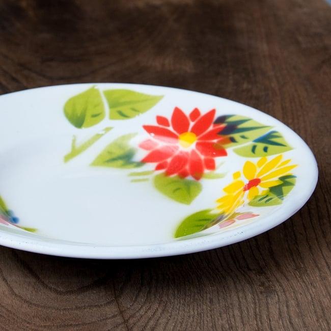 タイのレトロホーロー 花柄飾り皿 RABBIT BRAND〔約18cm×約2.7cm〕 4 - 横からの写真
