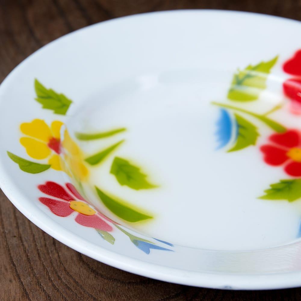 タイのレトロホーロー 花柄飾り皿 RABBIT BRAND〔約20.5cm×約3cm〕 5 - 拡大写真です