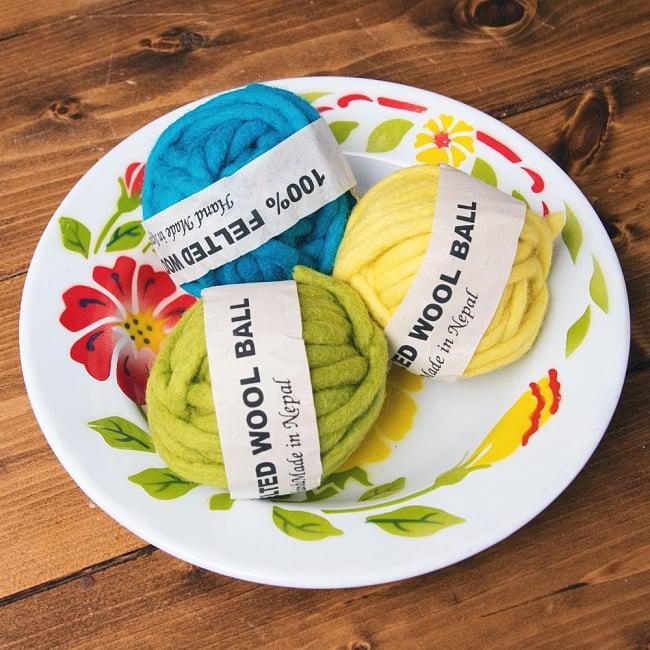 タイのレトロホーロー 花柄飾り皿 RABBIT BRAND〔約23cm×約3.2cm〕 7 - こにような使用感になります。小物入れなどへオススメ。昔ながらの製法で作られている為、食器向けの品質で作られておりません。飾り皿としてご使用ください。