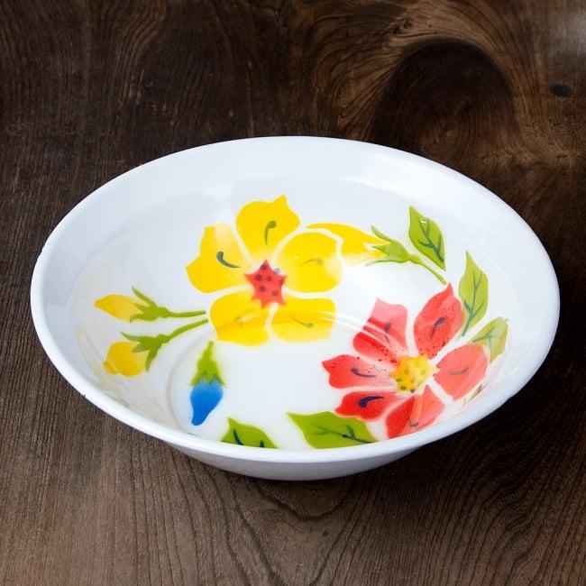タイのレトロホーロー 花柄飾りボウル RABBIT BRAND〔約23.8cm×約6.7cm〕 3 - 花がらが素敵です