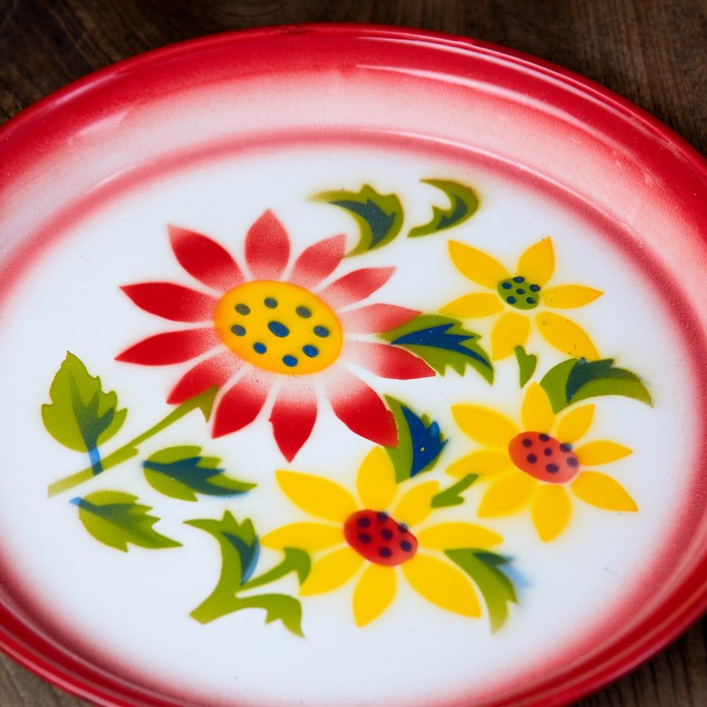 タイのレトロホーロー 花柄飾り皿・トレー RABBIT BRAND〔約25.7cm×約2.5cm〕 2 - 拡大写真です