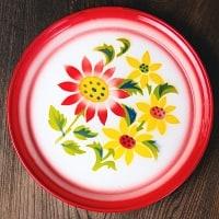 タイのレトロホーロー 花柄飾り皿・トレー RABBIT BRAND〔約25.7cm×約2.5cm〕