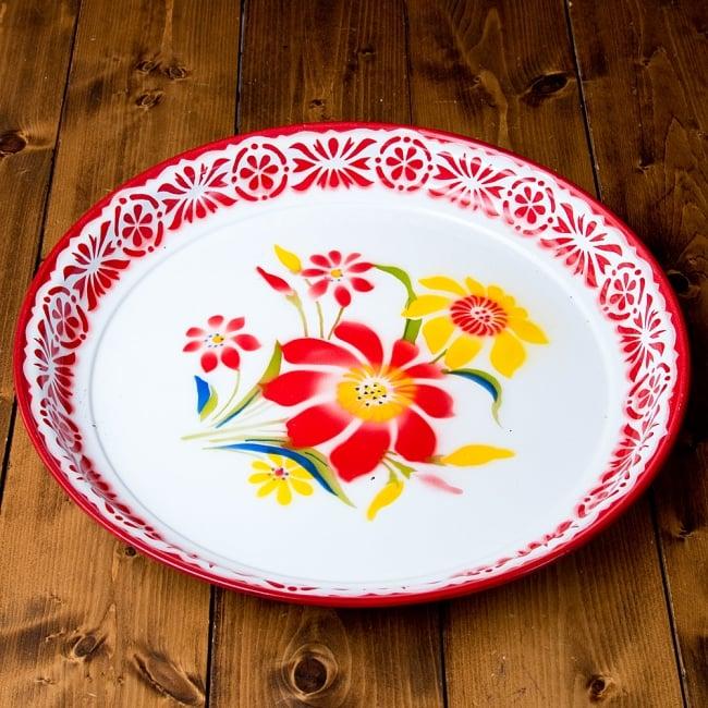 タイのレトロホーロー 花柄飾り皿・トレー RABBIT BRAND〔約45cm×約4.3cm〕 3 - 花がらが素敵です