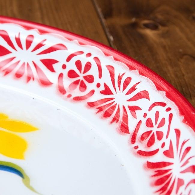 タイのレトロホーロー 花柄飾り皿・トレー RABBIT BRAND〔約45cm×約4.3cm〕 5 - 拡大写真です