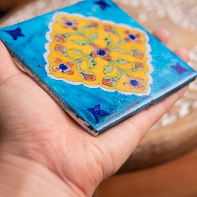 〔10cm×10cm〕ブルーポッタリー ジャイプール陶器の正方形デコレーションタイル - 菱型唐草系の写真5 - 光沢感がありハンドペイントが映えます。
