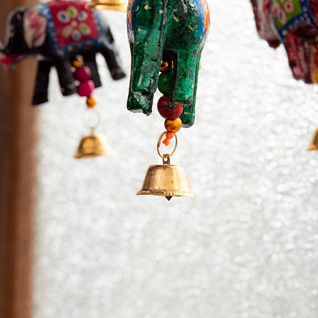 ゾウのハンギング1連【10cm程度】 オレンジの写真5 - 傘とビーズをアップにしてみました。カラフルでとっても素敵です!