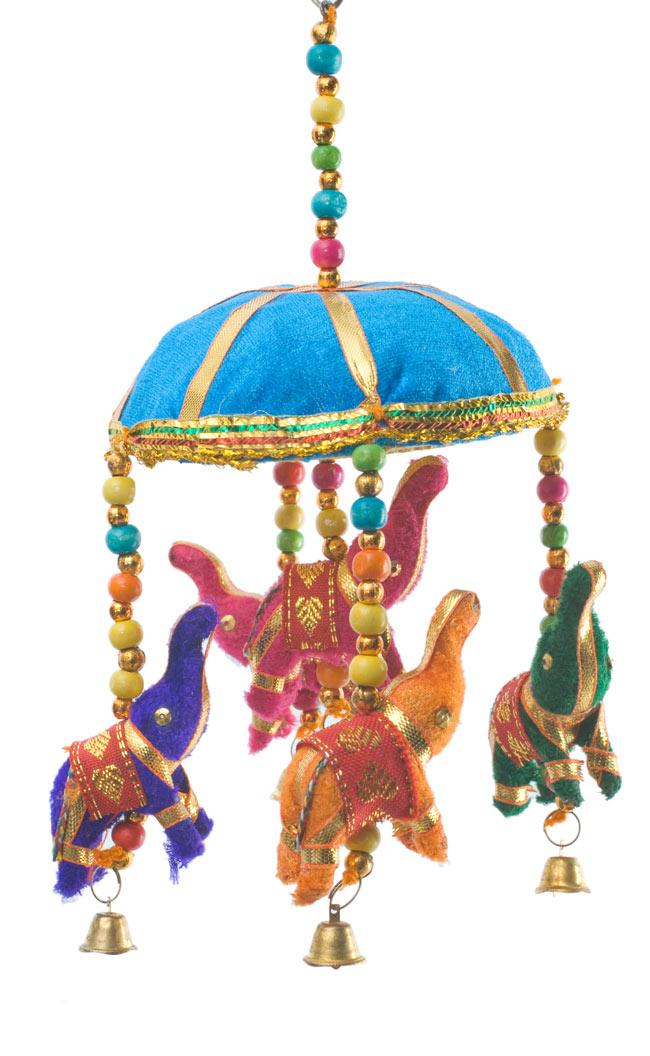 ゾウのハンギング(10.5cm程度)-水色傘の写真