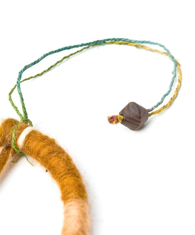 ピースマークのハンギング【直径12.5cm】の写真3 - 吊るし糸はヘンプ糸が使われています。