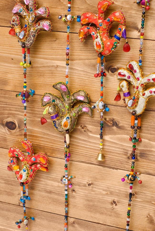 インドのハンギング - 3連鳳凰の写真7 - たくさん吊るすと雑貨屋さんみたいな雰囲気で賑やかになります。