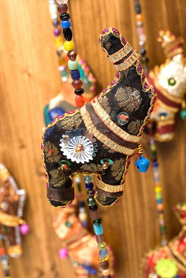 インドの四連ぞうさんハンギングの写真
