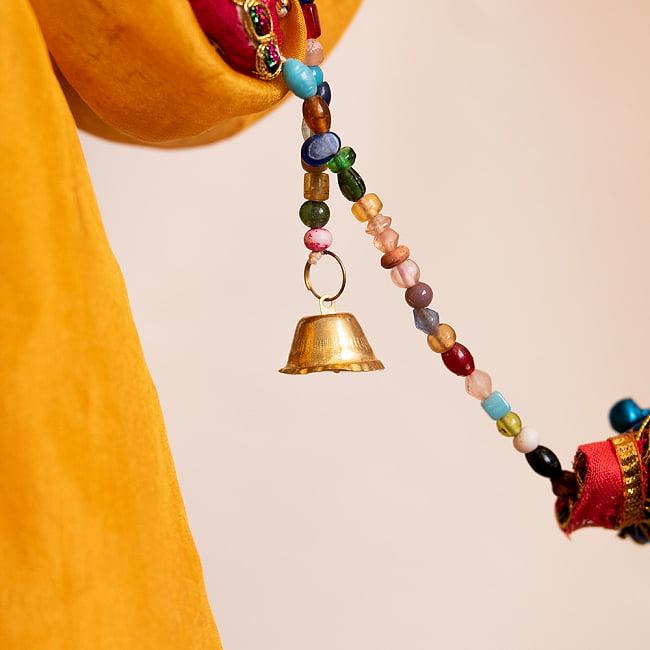 インドの五連リーフハンギングの写真6 - 先端には鈴がついています。